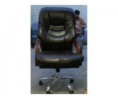 Comfortable Chair for Office Black Color Almost New For Sale In Sadiqabad