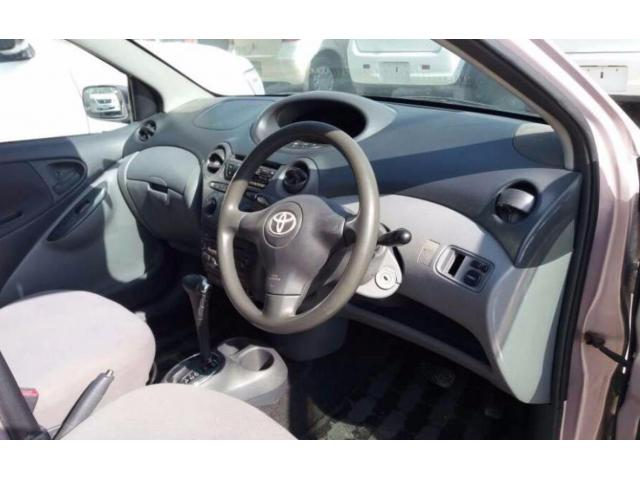 Toyota Vitz Automatic Model 2002 Attractive Color Available For Sale in Quetta