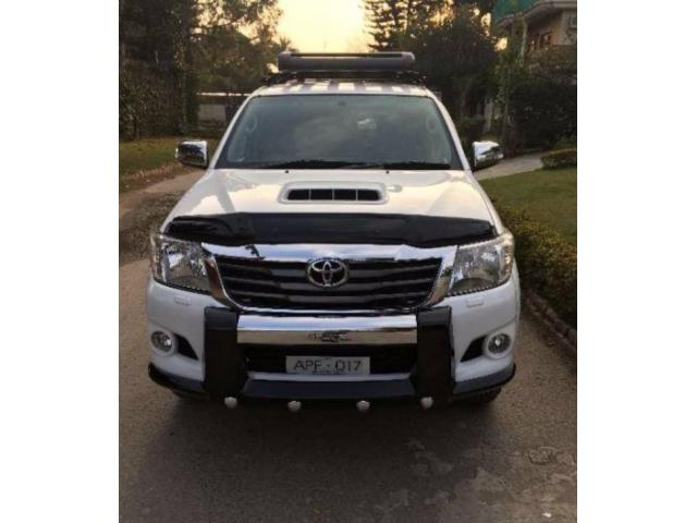 Toyota Hilux Scratch Less Condition Automatic Model 2012