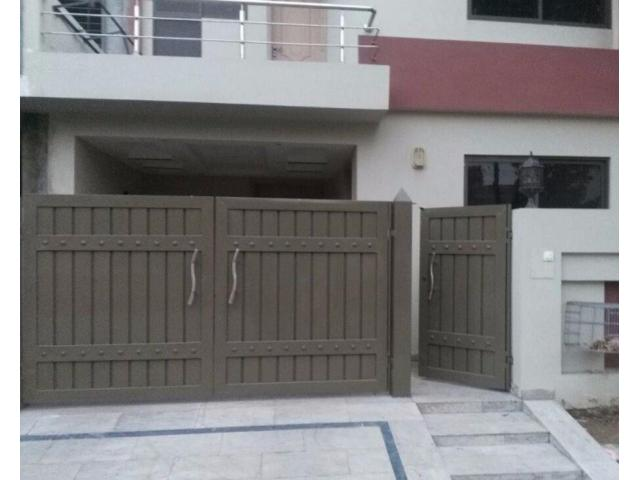 5 marla new house well designed for sale in bahria town
