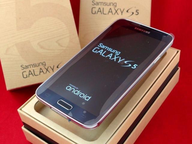 Samsung Galaxy S5, 16GB Charcoal Black Brand New