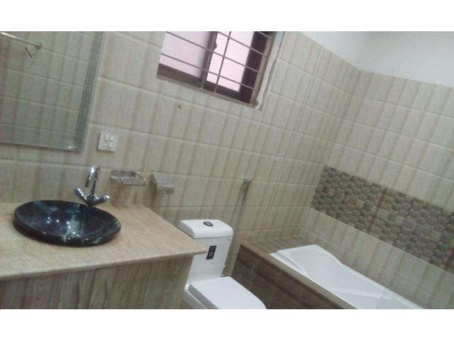 10 marla full house for RENT in bahria town lahore