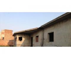 Building in Raiwind Road, 6 Kanal Available