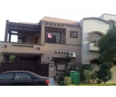 Portions Available For rent in Bahria town, Lahore