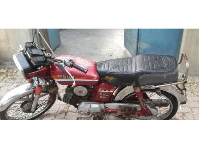 Yamaha 100Cc Genuine Condition with good amount
