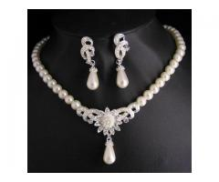 Pearl Necklace for sale in good price on This EID