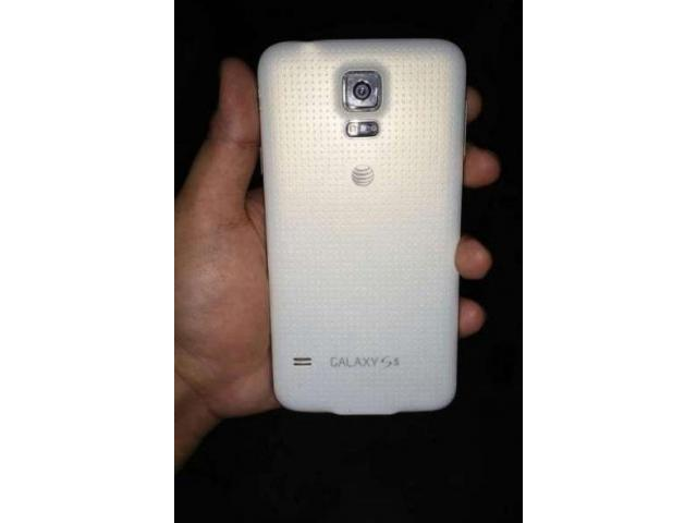 Samsung Galaxy S5 G-900A at&t New Condition 10/10