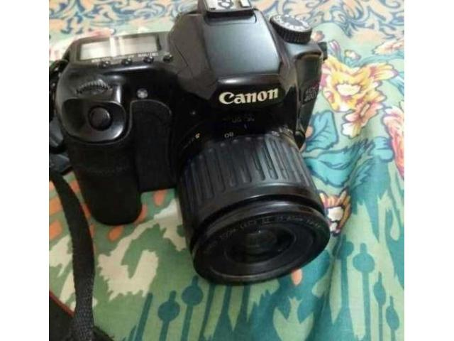 Canon with complete accessories and genuine bag For sale in good price on Eid