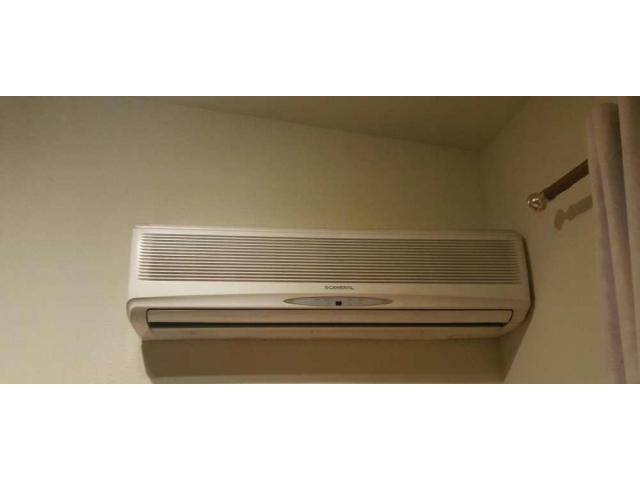 Selling my 2 ton general ac original for sale amount is suitable
