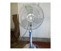 12 volt fan. Solar for sale in good rates