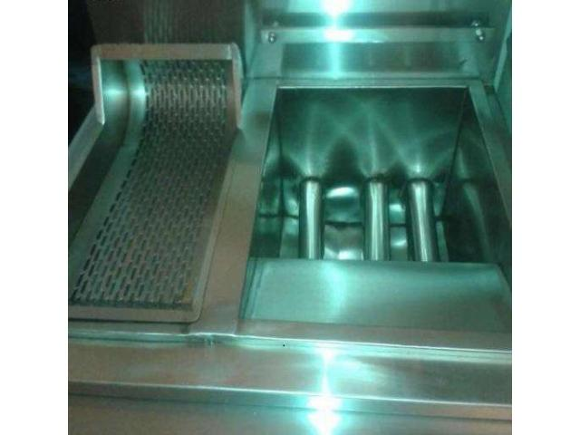 Fast food and pizza restaurant kitchen equipment for sale in good amount