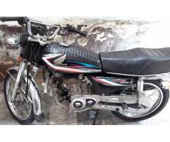 Honda 125 2015 .full original coldition , balck colour , lahore num FOR Sale