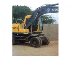 Excavator machine volvo ew130 FOR SALE IN GOOD AMOUNT