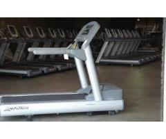 Life fitness 95ti Treadmill FOR sale in good amount