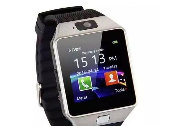 H &Co DZ09 Android Smart Watch with GSM Slot Bluetooth Supported for SALE