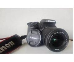 Canon 700d w/ 18-55mm FOR SALE
