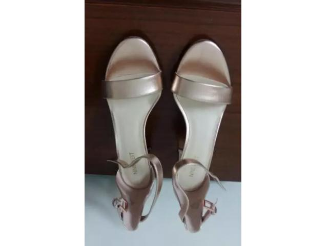 Nine west sandals for sale in good price