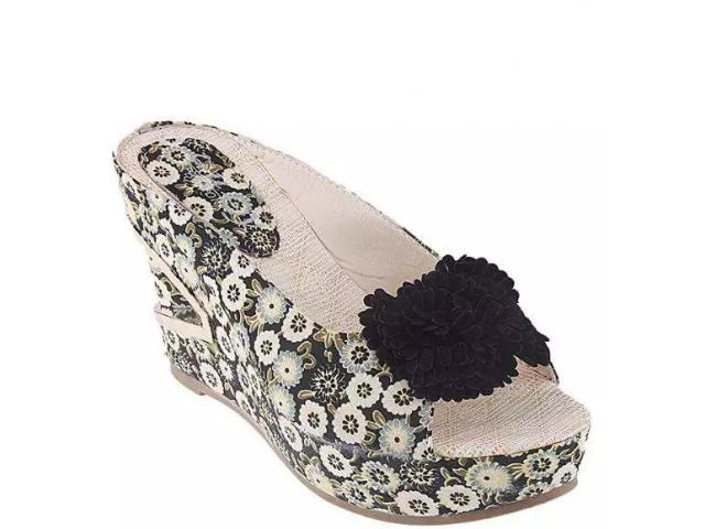 Black Floral Imported Synthetic Leather Peep Toe Fancy Wedge for Women