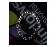 Men's bracelet FOR sale in good amount