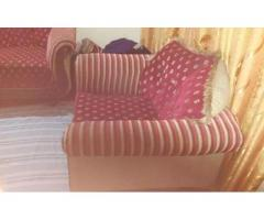 7 seater wooden sofa set FOR SALE IN GOOD AMOUNT