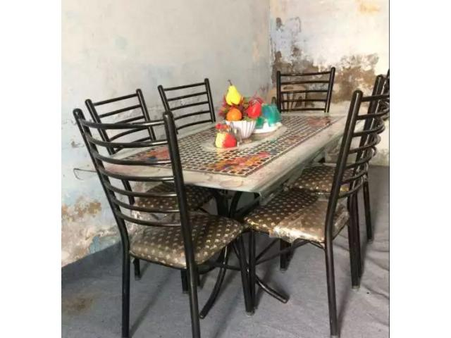 New dining table FOR SALE IN GOOD AMOUNT
