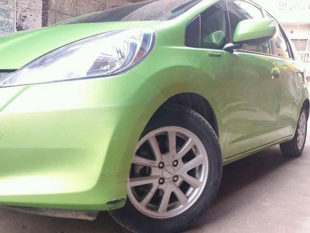 Honda fit hybrid FOR SALE IN GOOD AMOUNT