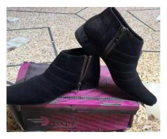 Long shoe size 6 cndition new FOR SALE IN good amount