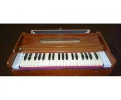 Harmonium in Excellent Condition for sale in good amount