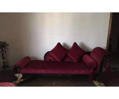 Scratch-less and very well maintained sofa for sale in good amount