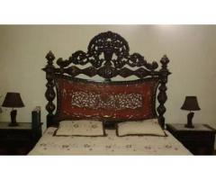 Bed set king size for sale in good amount