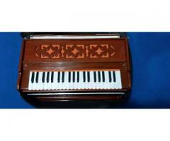Harmonium of Ustad Nusrat Fateh Ali Khan. 3 Set Jerman.