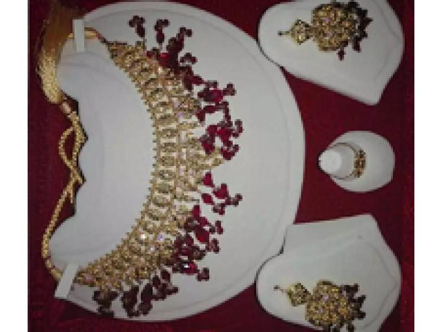 22k gold set 2.25 tola for sale