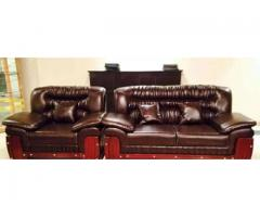 Dark brown sofa (6 seats) 1 month athelm shade for sale