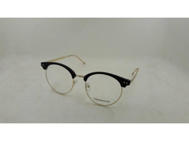 Spectacles for sale in good rates collection is open