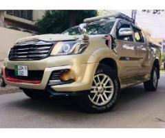 Toyota Hilux Vigo 2014 Golden for sale please call us