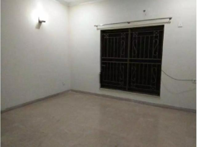 1 Kanal House, 6 Bedrooms, Phase 2, DHA, Lahore for rent