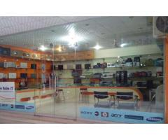 Laptop shop running business For Sale main university road peshawar