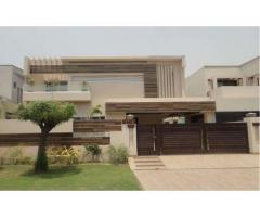 1 Kanal House Upper Portion Good Lacation  For Rent In DHA Lahore