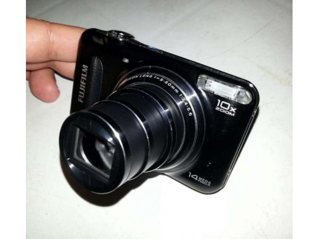 Digital Camera Fujifilm 14 MP 10x Optical Zoom For Sale In