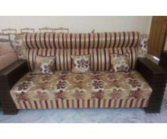 Sofa 5 Seat New Design and Good condition For Sale In Islamabad