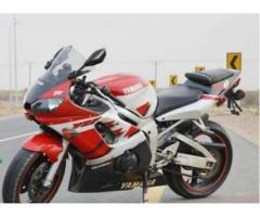 Heavy bike Yamaha R6 Model 2000 Excellent Condition For Sale In Multan